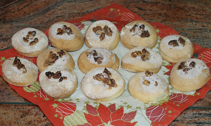Масленки с орехи и канела