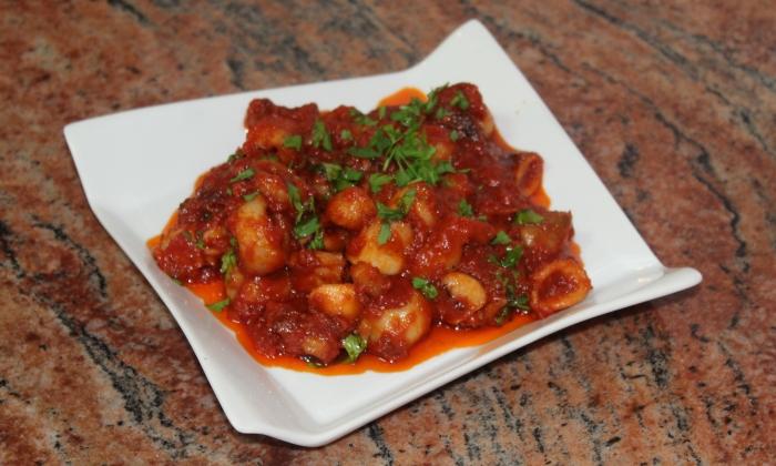 Калмари в доматен сос