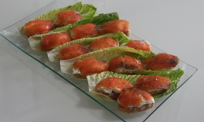 Лесни и вкусни хапки със сьомга за предястие