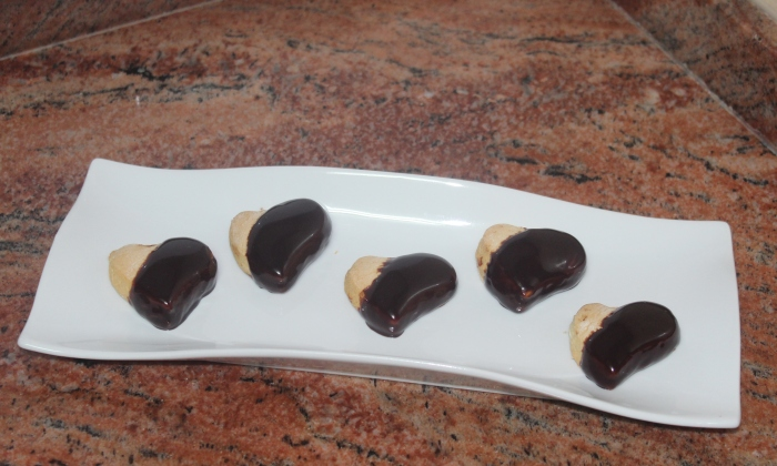 Курабийки с шоколадова глазура
