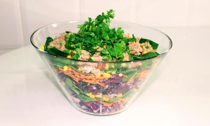 Многоцветна редена салата