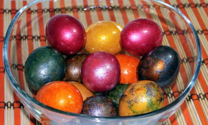 Бързо, лесно и ефектно боядисване на яйца за Велик ден, стъпка по стъпка