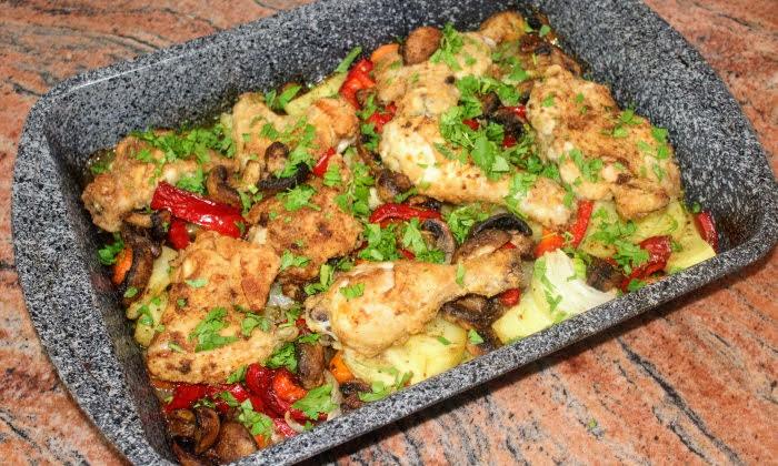 Пиле на фурна с гъби и зеленчуци