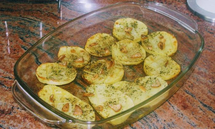 Ароматни картофи на фурна, лесни и бързи