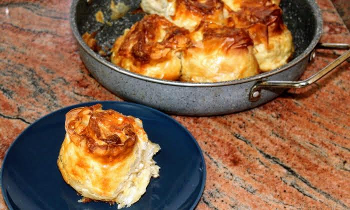 Банички розички със сирене и кайма