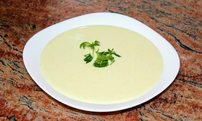 Лесен и много вкусен сос със сметана и кашкавал