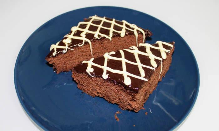 Шоколадов сладкиш с глазура