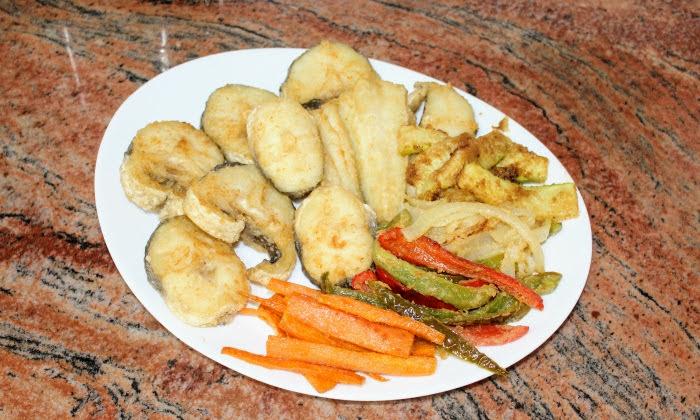 Мерлуза с пържени зеленчуци