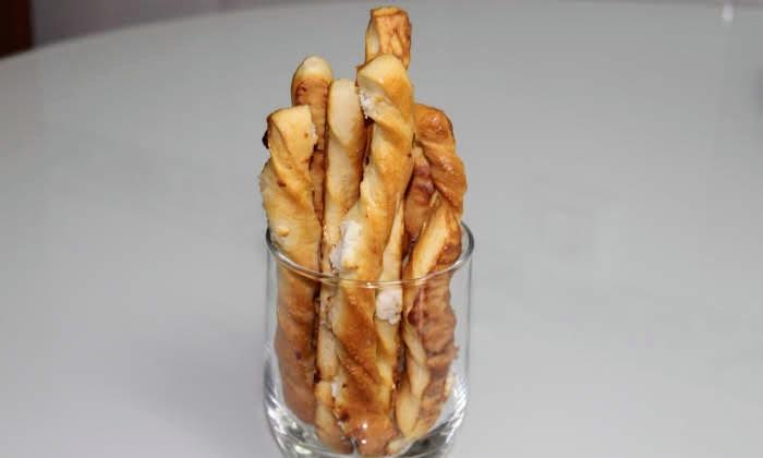 Бързи и лесни соленки със сирене