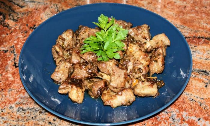 Свински врат с чесън, бърза и вкусна вечеря