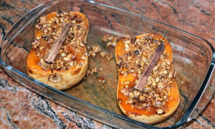 Печена тиква с мед, орехи и канела, любим десерт