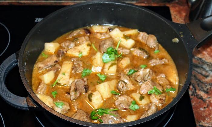 Четири рецепти за селски манджи със свинско месо