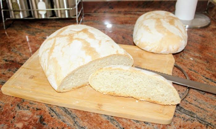 Вкусен български домашен хляб, без месене