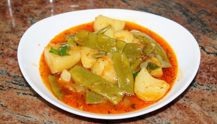 Постна яхния със зелен боб и картофи, проста, но много вкусна
