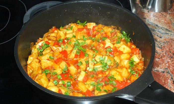 Пържени картофи в сос