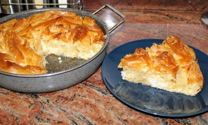 Вита баница със сирене и готови кори, пухкава и сочна