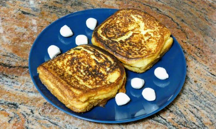 Лесна и топла закуска, пържени филийки с яйца