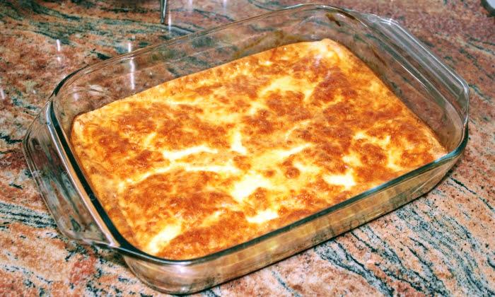 Лесна и топла закуска на фурна със сух хляб. Практична и достъпна рецепта.
